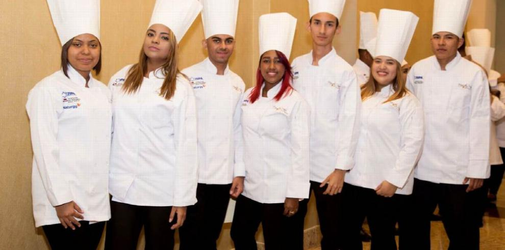 Jupá gradúa a jóvenes chefs