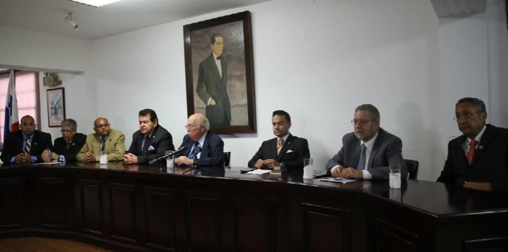 Supremo venezolano en el exilio abre oficina en Panamá, Gobierno no le otorgó estatus