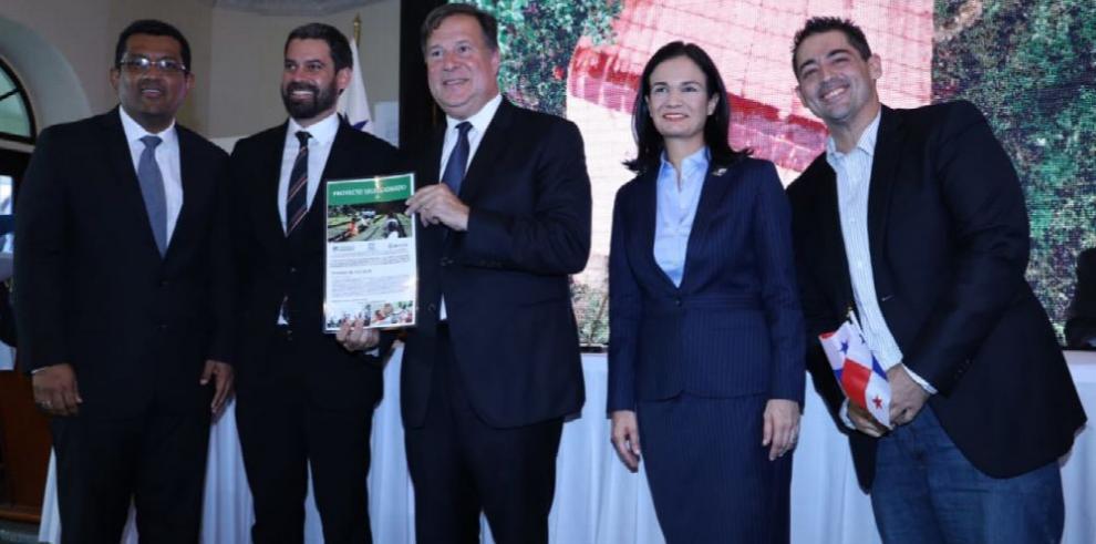 Gobierno entrega más de $16 millones del fideicomiso para proyectos ambientales