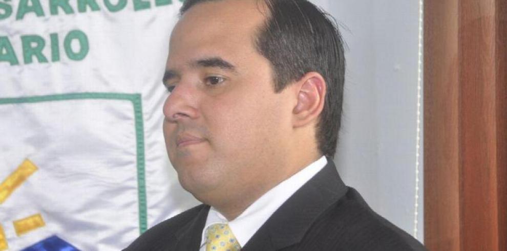 Ministro Carles reitera la apertura al diálogo con los productores