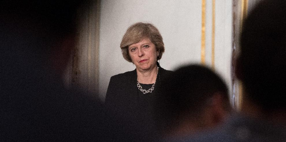 May revelará resultados del diálogo con la UE a principios de enero