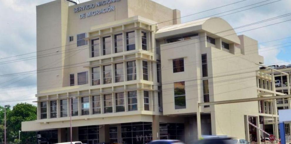 Retienen a 481 extranjeros por irregularidades estatus migratorio en Panamá