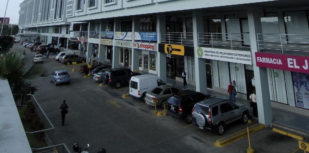 Buscarán opción al cobro de estacionamientos