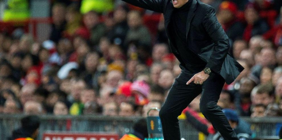 Mourinho cede ante Guardiola en el reino de Manchester