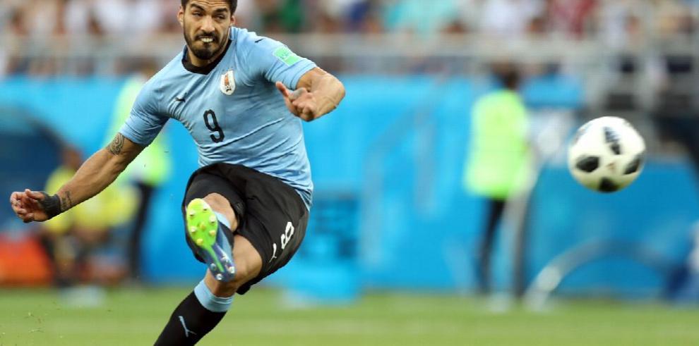 Uruguay pone su garra en octavos