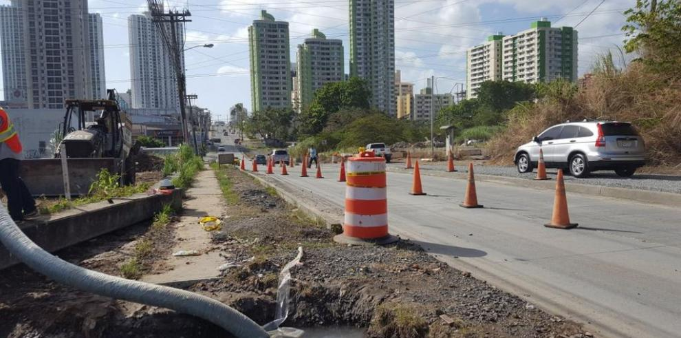 Varios sectores sin agua por los trabajos del Idaan en Condado de Rey