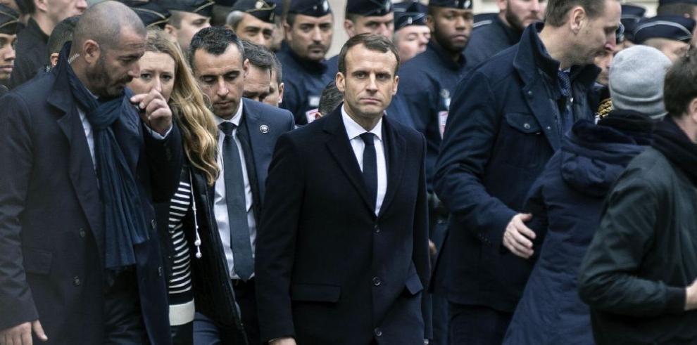 Macron retrocede ante presión de protestas