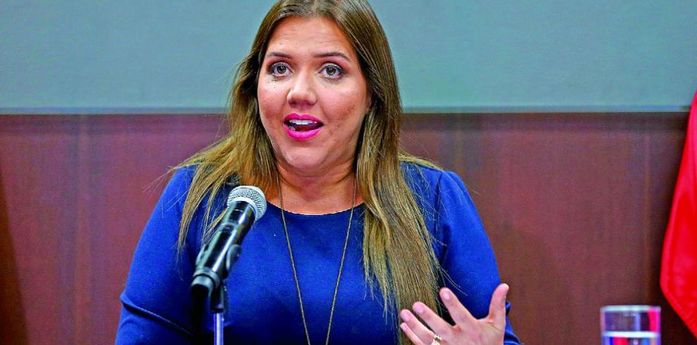 Dimite vicepresidenta ecuatoriana denunciada por actos de corrupción