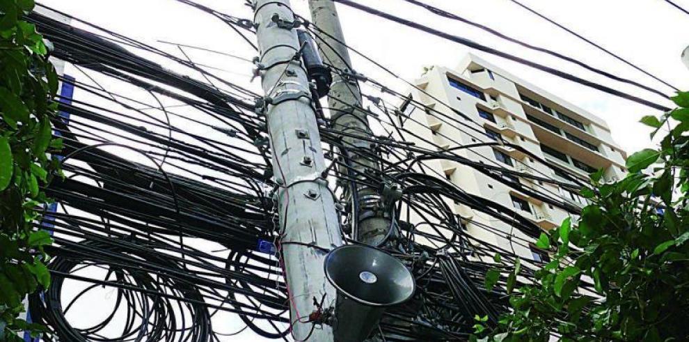 Avanzan los trabajos de soterramiento de cables en Obarrio