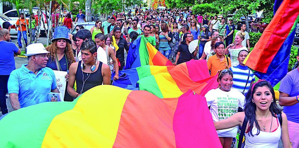 Grupos LGBTI piden aprobación legal de matrimonio igualitario en Costa Rica