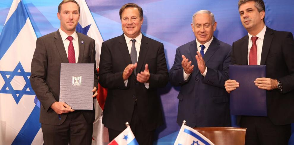 Panamá firma TLC con Israel