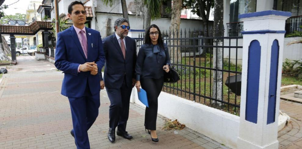 Periodista presenta querella en el Ministerio Público