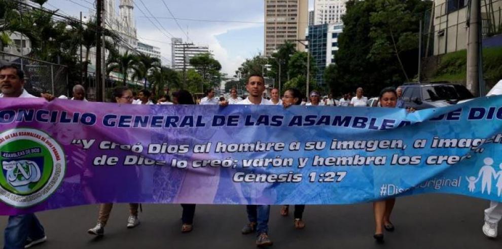 Convocan marcha contra la ideología de género
