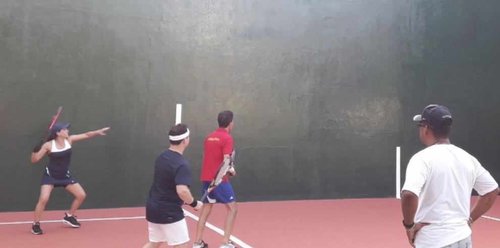 Fuerte arranque en el torneo de Frontenis