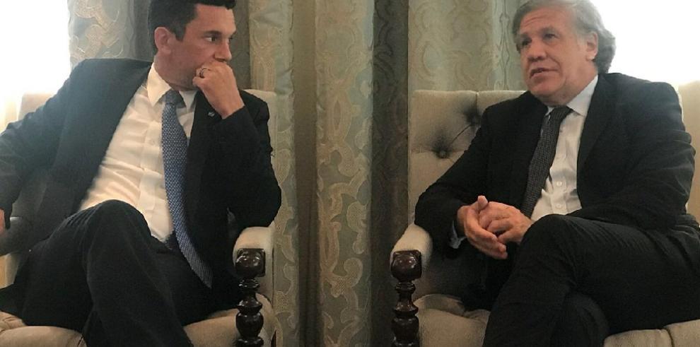 Almagro conversa con canciller de Panamá sobre retos de toda la región