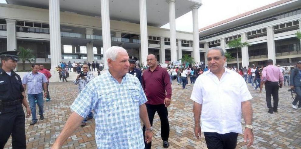 Tribunal admite desistimiento de Martinelli