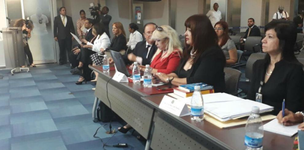 AN concluye consulta ciudadana sobre ratificación de Moore y Tovar a magistradas
