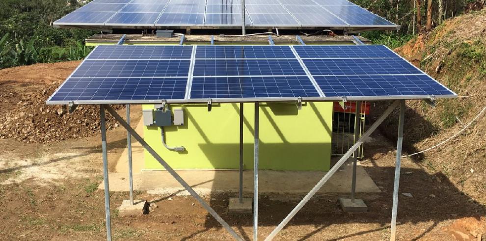 Primera estación radial en Puerto Rico y el Caribe que opera con energía solar