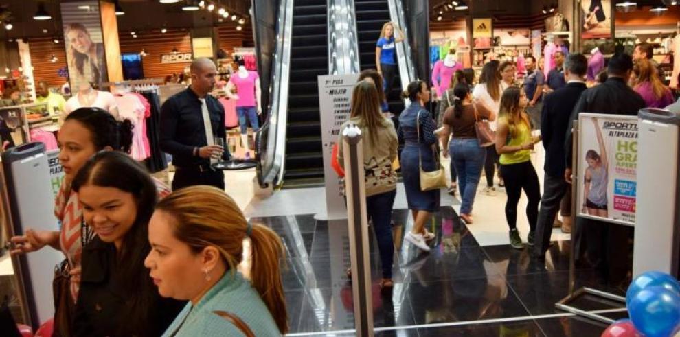 Panamá apuesta por Cuba para incrementar el turismo de compras
