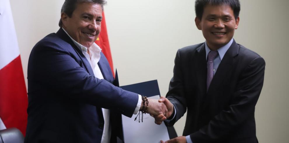 Panamá firma contrato para el diseño y construcción del cuarto puente sobre el Canal