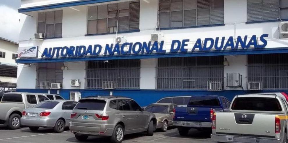 Varela designó a Leo González como nuevo director de Aduanas