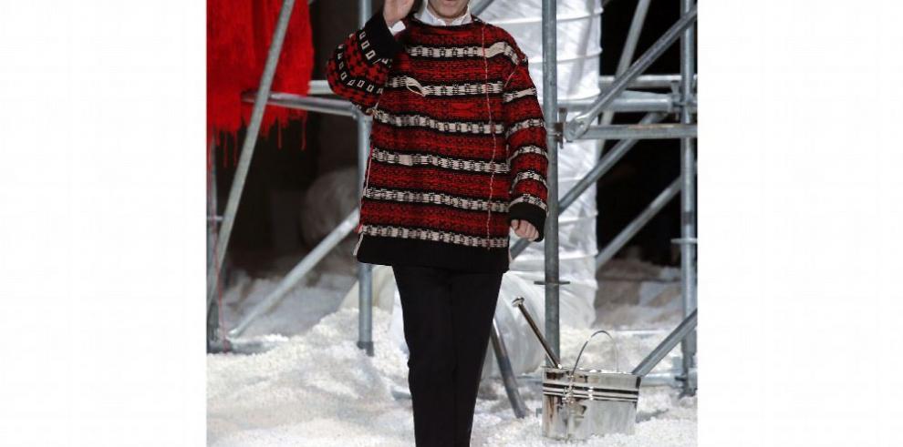El diseñador Raf Simons sale en términos 'amigables' de Calvin Klein