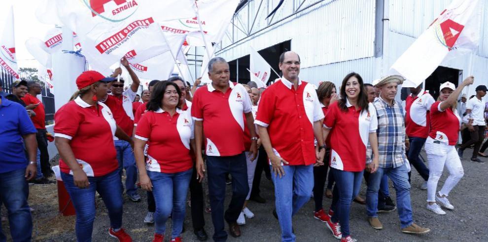 'Mimito' Arias renuncia a candidatura presidencial