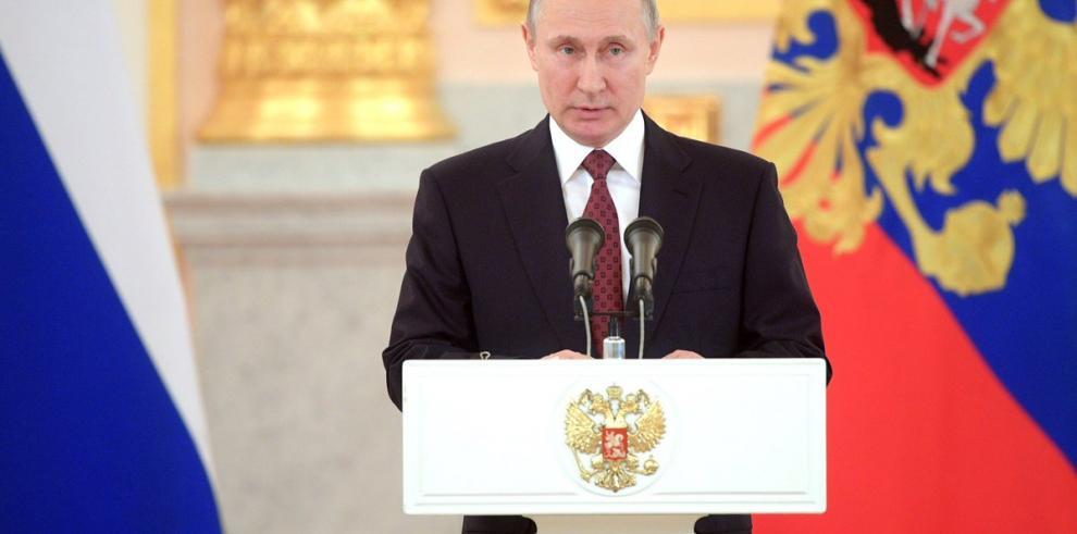 Putin le recuerda a Merkel que ataque contra Siria fue un