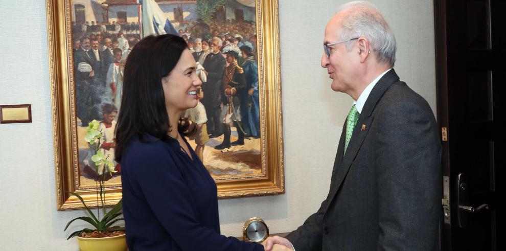 Vicepresidenta recibe a exalcalde venezolano Antonio Ledezma