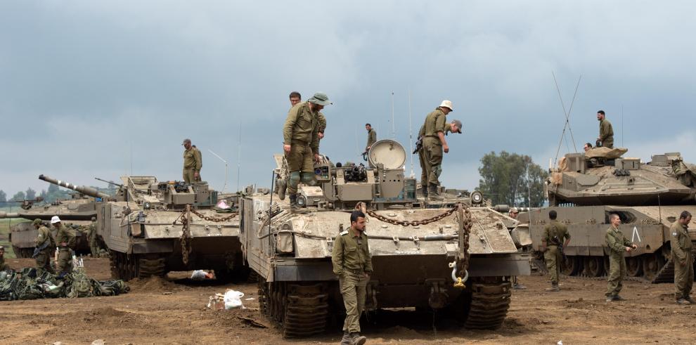 Israel dispara contra infraestructura militar en Gaza en respuesta a tiros