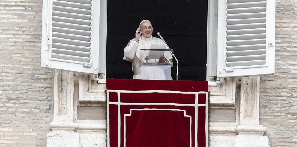 Víctimas de cura chileno se reunirán con el papa en el Vaticano