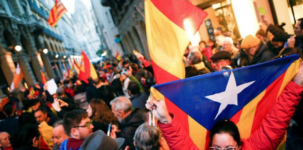 Soberanistas catalanes postulan a su presidente