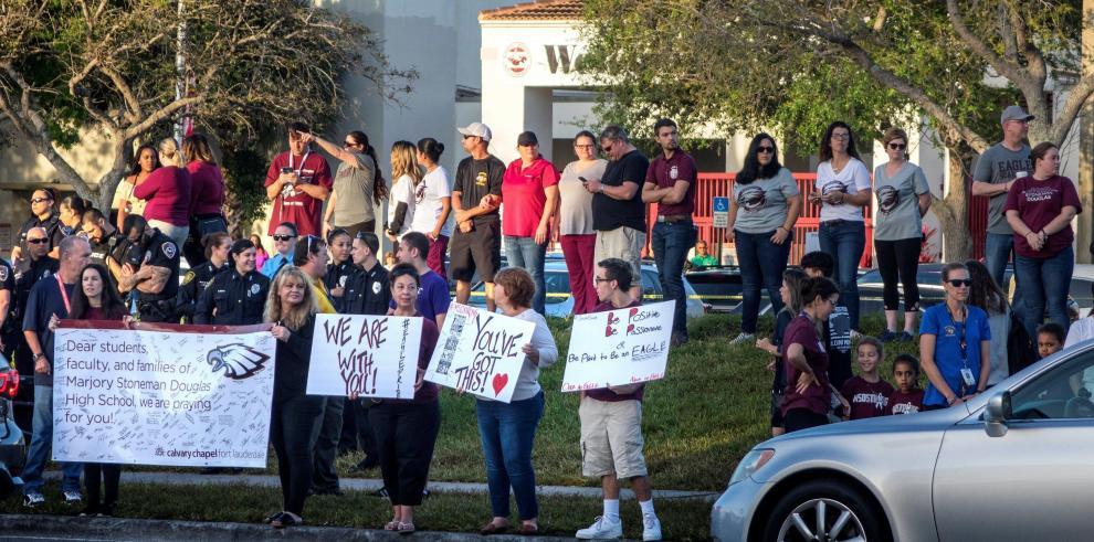 Los alumnos del instituto de Parkland vuelven a las clases tras la matanza