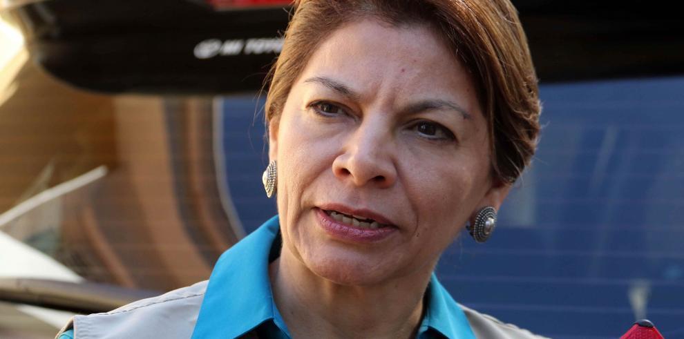 Chinchilla lamenta encuestas a boca de urna en elecciones paraguayas
