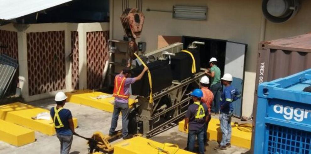 Policlínica de Las Tablas instala nueva central de aire acondicionado