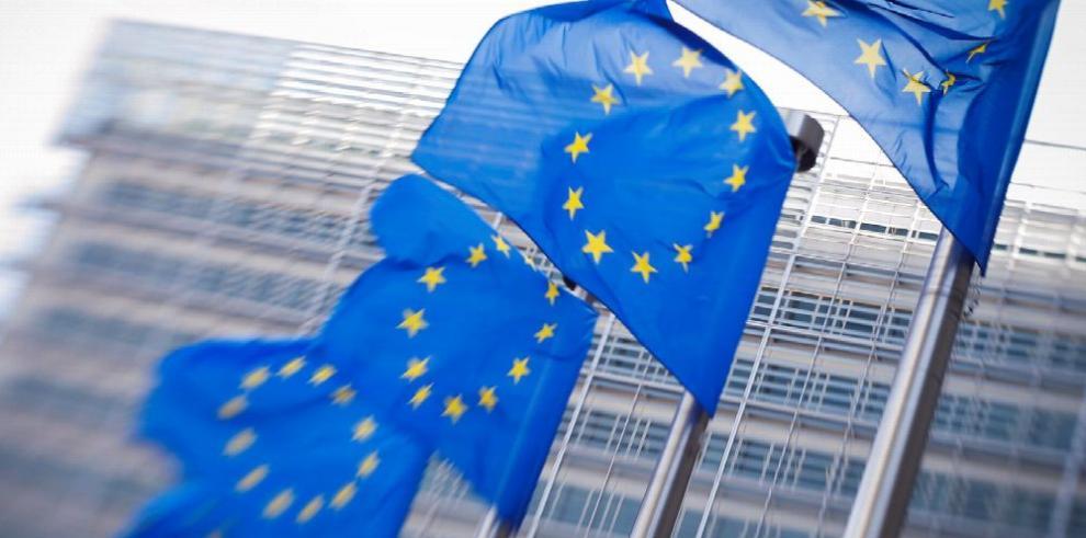 El paro se mantiene en el 8.4% para la eurozona y en el 7.0% en la UE