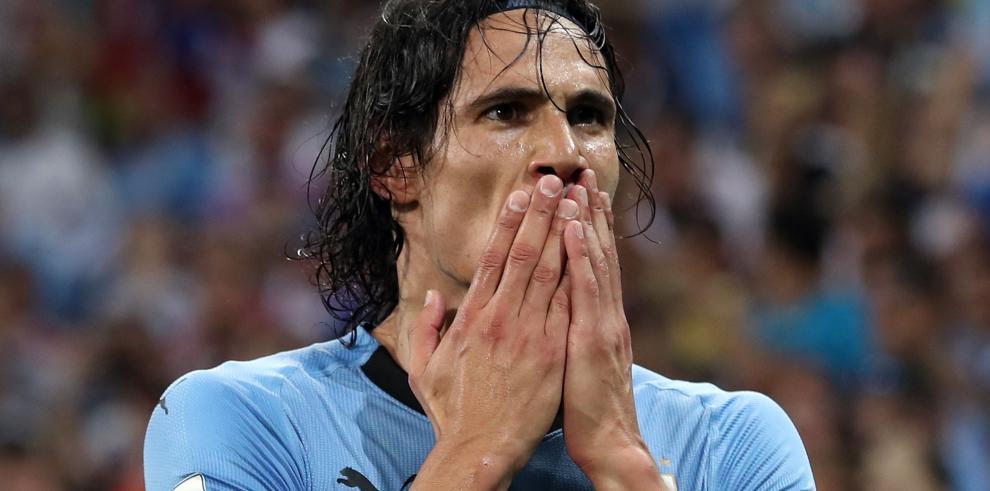 Cavani no jugará contra Francia por lesión en gemelo, según emisora francesa
