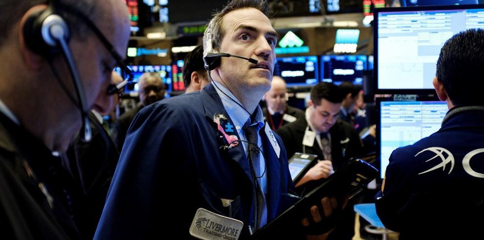 El Dow Jones de Industriales cae más de 500 puntos Nueva York