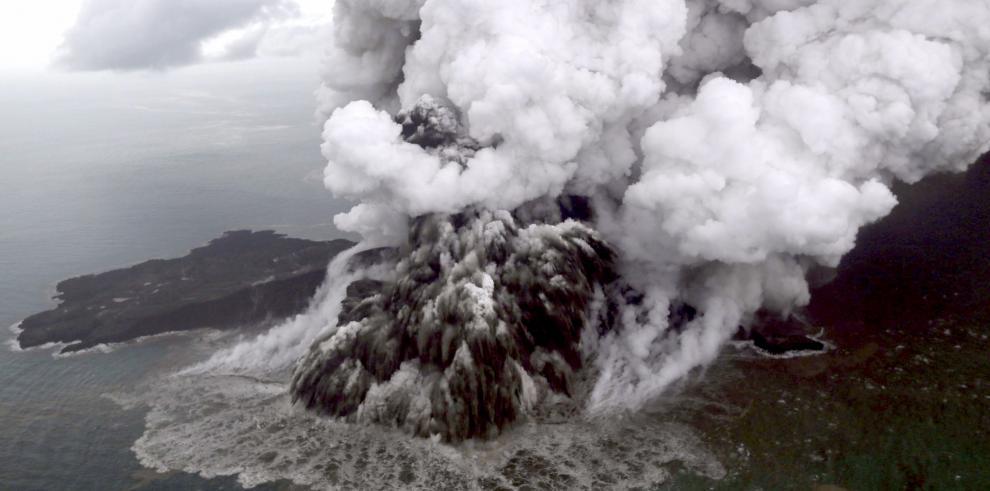 Indonesia busca supervivientes del tsunami