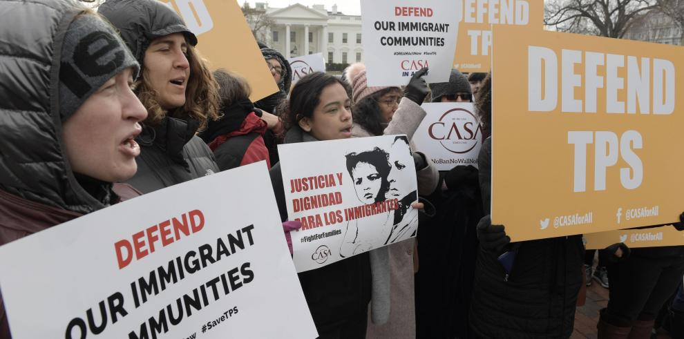 Presentan ley en Congreso de EE.UU. para legalizar a salvadoreños con TPS