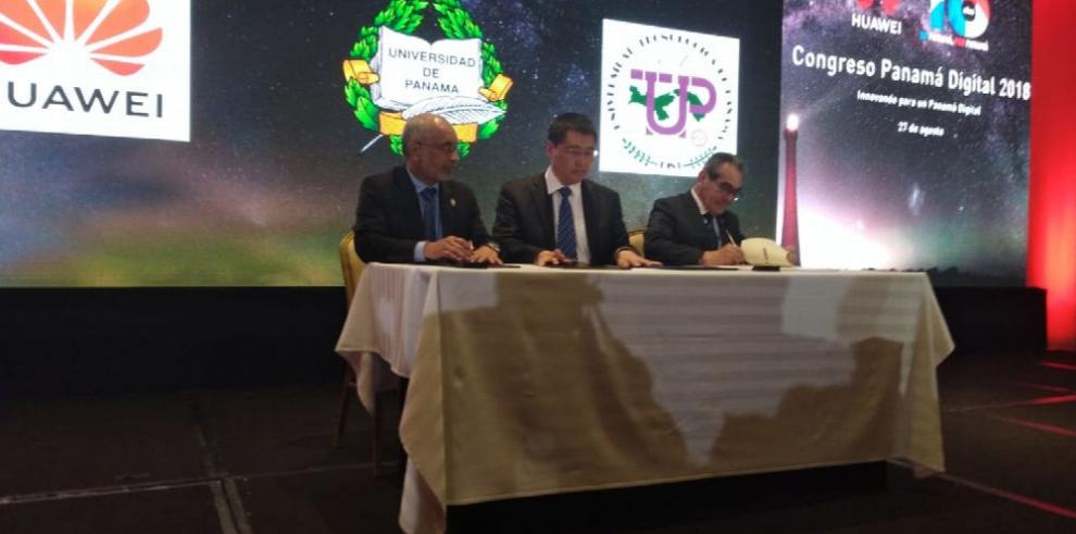 Firman acuerdo para la transformación digital