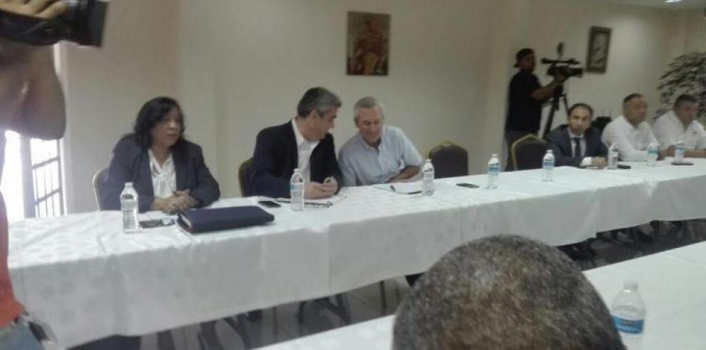 Gobierno mantendrá diálogo con gremios en Colón