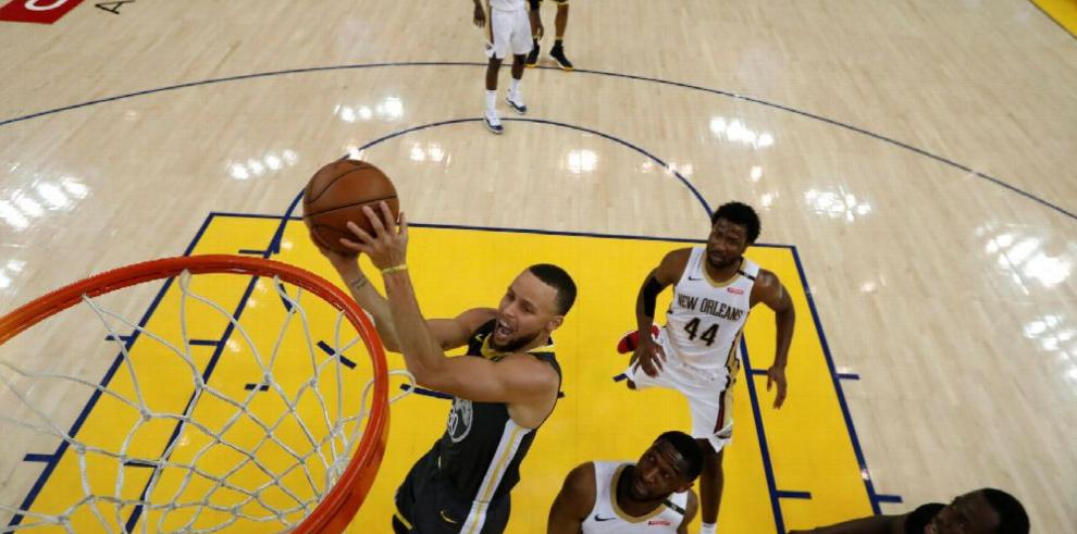 Retorno de Curry impulsa los bonos de los Warriors