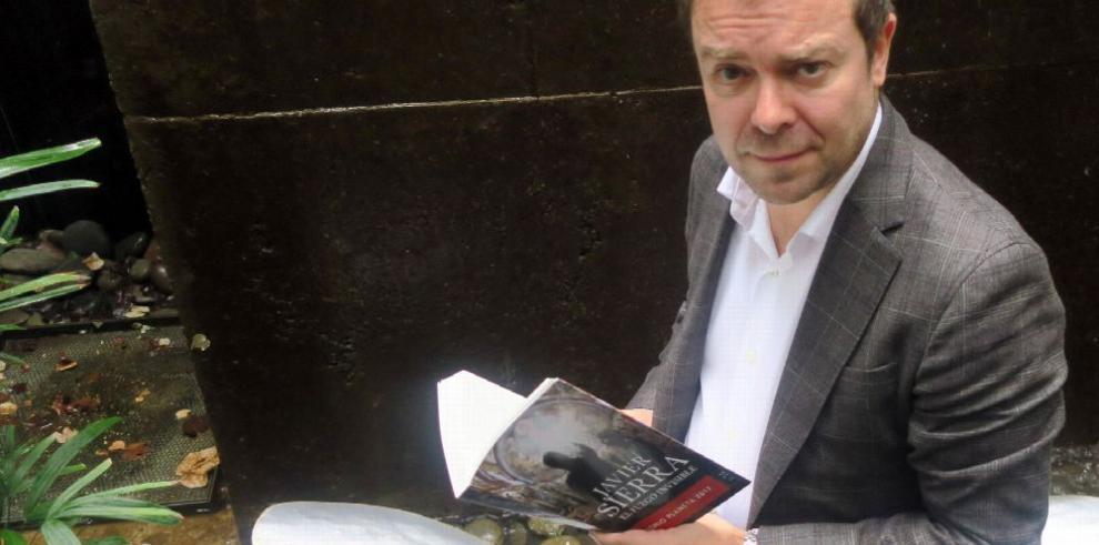 'El lector anglosajón está secuestrado por su idioma'