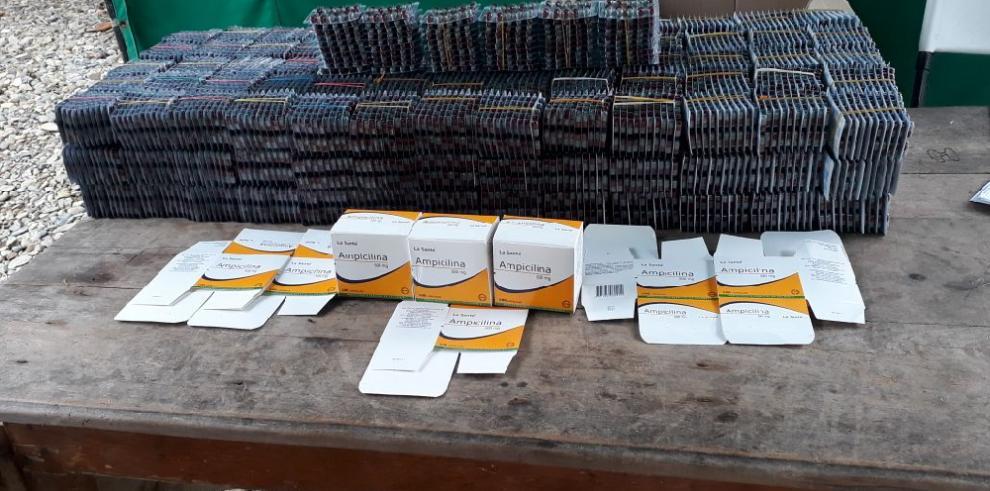 Aduanas retiene 20 mil tabletas de ampicilina proveniente de Colombia