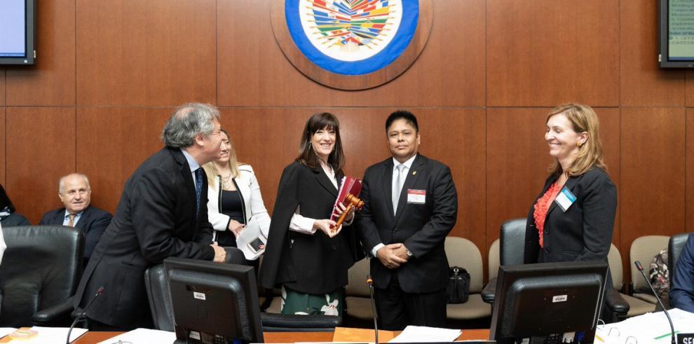 Panamá entrega a Argentina presidencia de comité de OEA contra el terrorismo