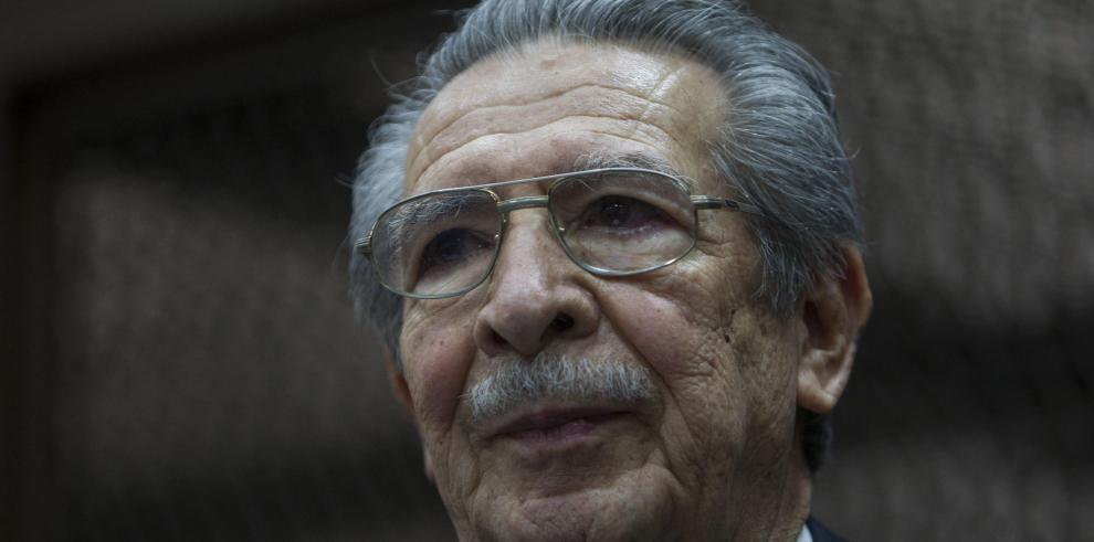 Fallece general golpista Ríos Mont que era juzgado por genocidio en Guatemala