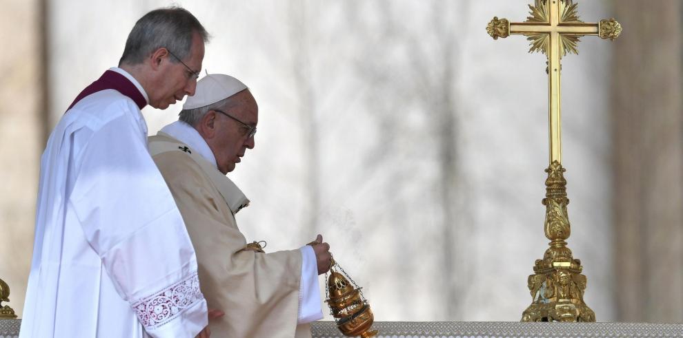 El papa pide solución a la crisis de Venezuela y el fin de la guerra en Siria