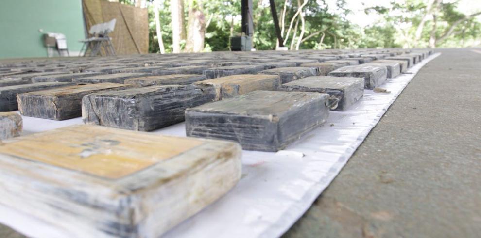 Decomisan drogas y fusiles en Darién mediante 'Operación Navaja'