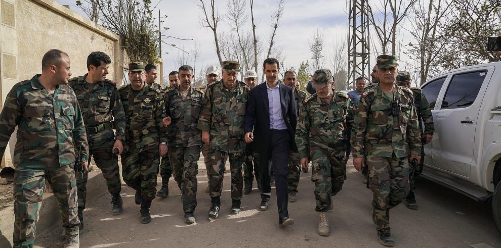 El ejército sirio y el EI ganan terreno por separado en afueras de Damasco